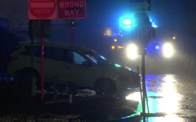 Autoridades han tenido que rescatar a conductores varados en área...