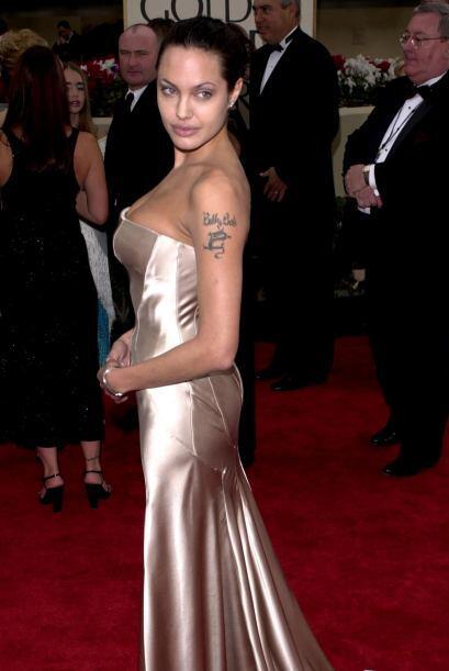 Otro 'look' de Angelina Jolie, debemos admitir que tampoco fue como uno...