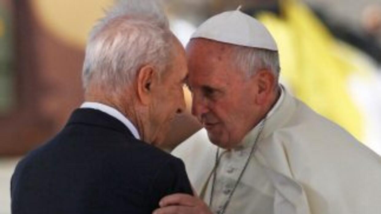 El papa Francisco junto al presidente israelí, Simon Peres.