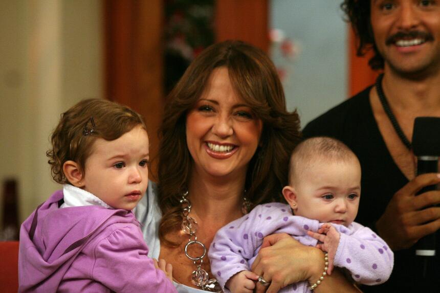 Andrea Legarreta y su familia