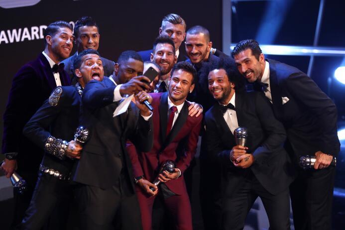 Cristiano Ronaldo encabezó la lista de ganadores en los premios 'The Bes...