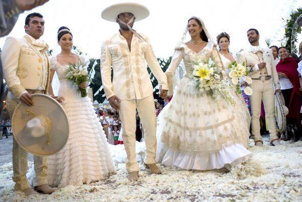 """Esta fue la boda triple de los hermanos Reyes en """"Fuego En La Sangre""""."""