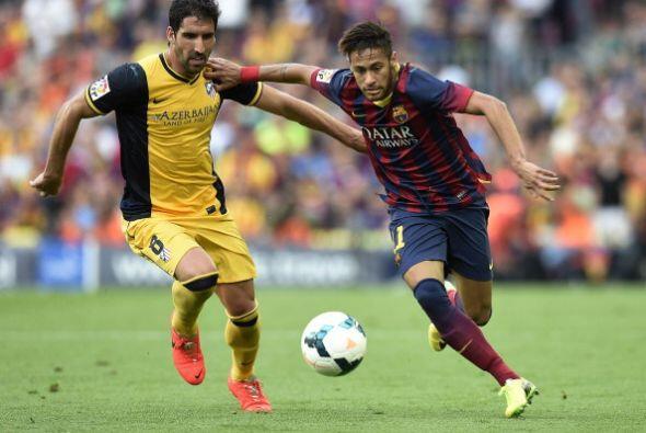 Neymar entro en busca de romper la defensa del Atlético pero tampoco pudo.