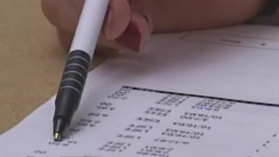 Trabajadores federales afectados por el cierre del gobierno reciben ayuda para el pago de servicios públicos