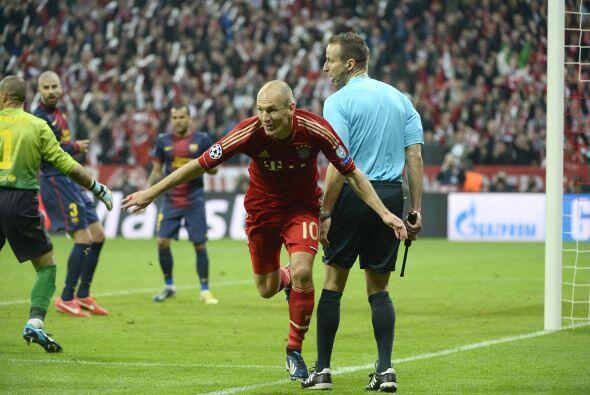 El holandés Arjen Robben ponía otro clavo en el ataúd barcelonista.