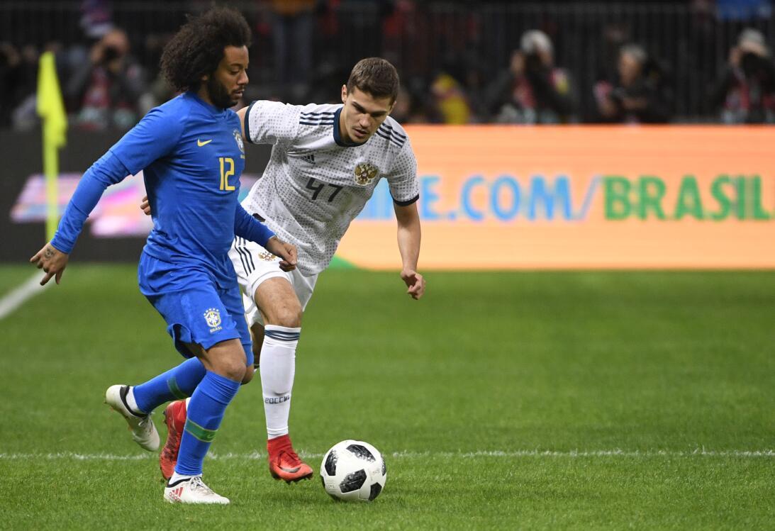 En fotos: Brasil supo cuándo acelerar y goleó a Rusia en el Luzhniki get...