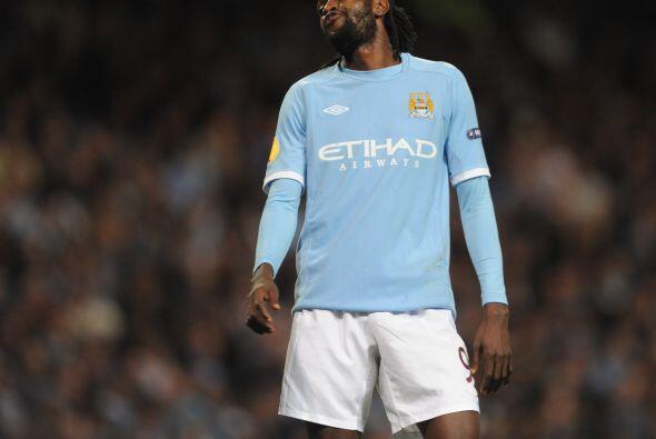 Emmanuel Adebayor, al igual que sus compañeros, no pudieron hacer más y...