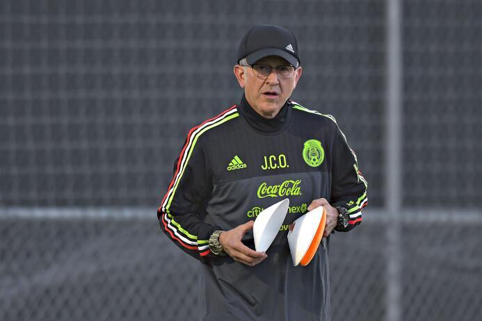 Osorio completó 18 partidos dirigiendo a México con saldo a favor 201702...