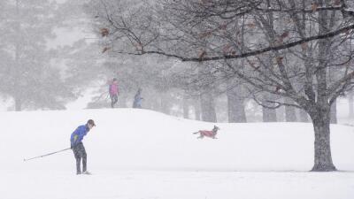 La primera tormenta de nieve deja ya tres muertos y cientos de accidentes de tráfico