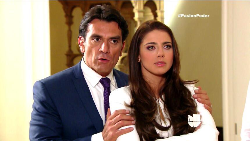 ¡Regina y David son la pareja escándalo! F5FE60DFCB6441C29D4C56DFF6C324C...