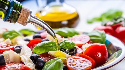 La ensalada, el lugar perfecto para mezclarlo todo, pero ten cuidado con...