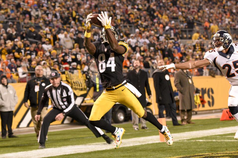 Los Pittsburgh Steelers vencieron 34 - 27 a los Denver Broncos luego de...