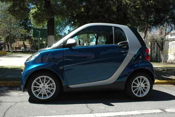 Pero este biplaza no es un auto deportivo, sino un auto pensado para sor...