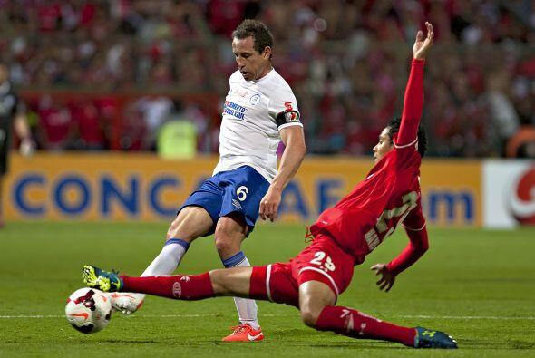 Gerardo Torrado pudo levantar al fin un trofeo importante con Cruz Azul,...