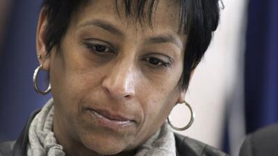 Madre muere atropellada en el altar donde se conmemoraba a su hija, asesinada por las pandillas