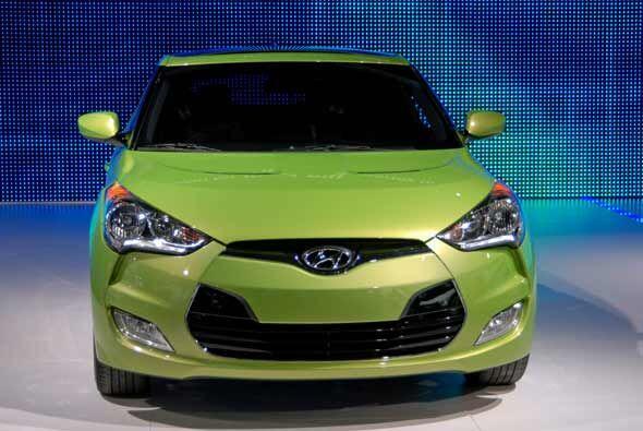 Hyundai presentó en Detroit su modelo Veloster, un hatchback muy juvenil.