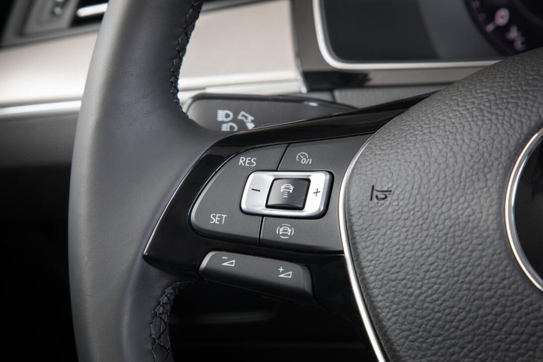 Este es el nuevo Volkswagen Arteon 2019 en imágenes 180204-vw-arteon-318...