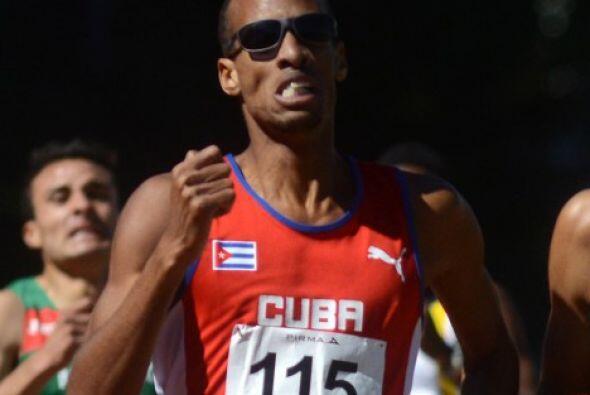 El corredor cubano Andy González ganó su segunda medalla d...