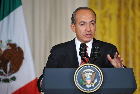 Felipe Calderón fue acompañado por los secretarios de Relaciones Exterio...