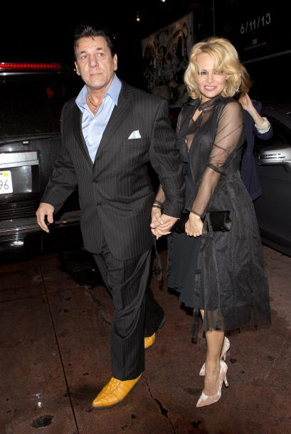 Pamela salió con él en 2007 y casi una década después, están juntos una...
