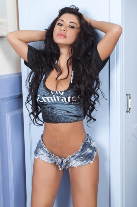 La famosa modelo paraguaya es gran fanática del Real Madrid y el triunfo...