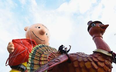 Los globos de Charlie Brown y el pavo de Acción de Gracias en la...