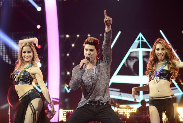 """Finalmente, Danny Montejo y las bailarinas se movieron al ritmo de """"She..."""