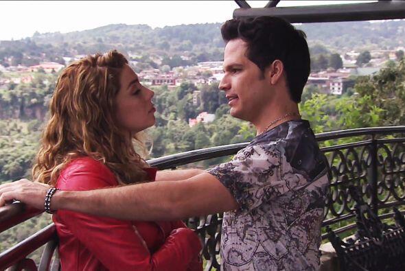 ¡Como lo oyen! Abelardo le propuso matrimonio a Valeria.
