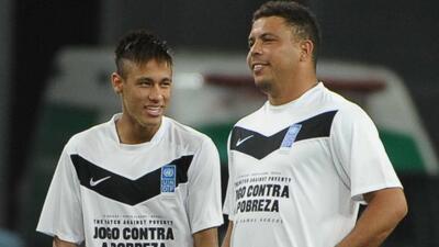 El ex astro brasileño confía en el crecimiento futbolístico de su compat...