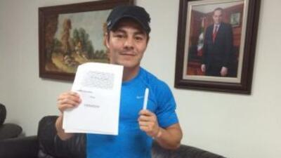 Jorge 'Travieso' Arce firmó contrato para pelear contra Jhonny González...