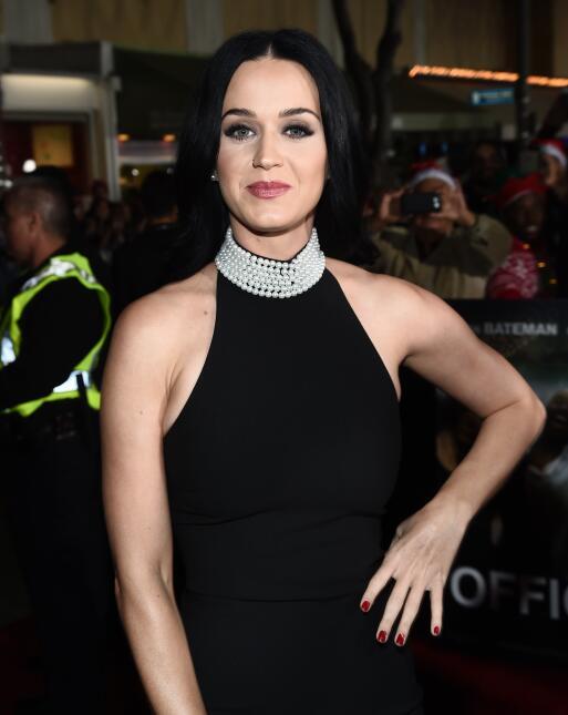 Katy Perry y Jennifer Aniston juntas en la premiere de 'Office Chris...