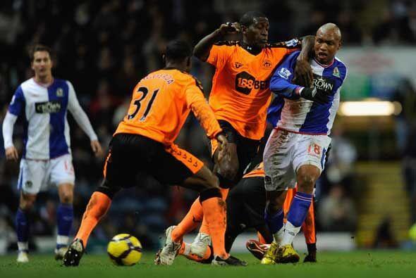 El Wigan de Maynor Figueroa y Hedry Thomas, cayó 2-1 con el Blackburn Ro...