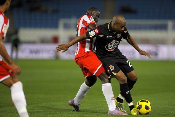El 'Depor' intentó reaccionar, pero Almería defendía con todo.