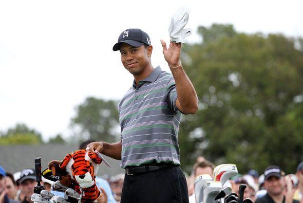 Tiger estaba feliz de su regreso a los campos de golf y tuvo una gran ac...