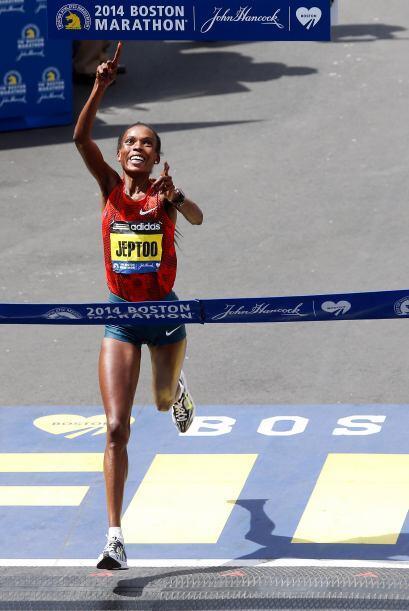 La keniana Rita Jeptoo ganó, por tercera vez y segunda consecutiva, la p...
