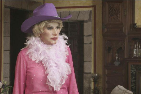 Pero Doña Olegaria le advirtió que tenía que casarse porque la boda la e...