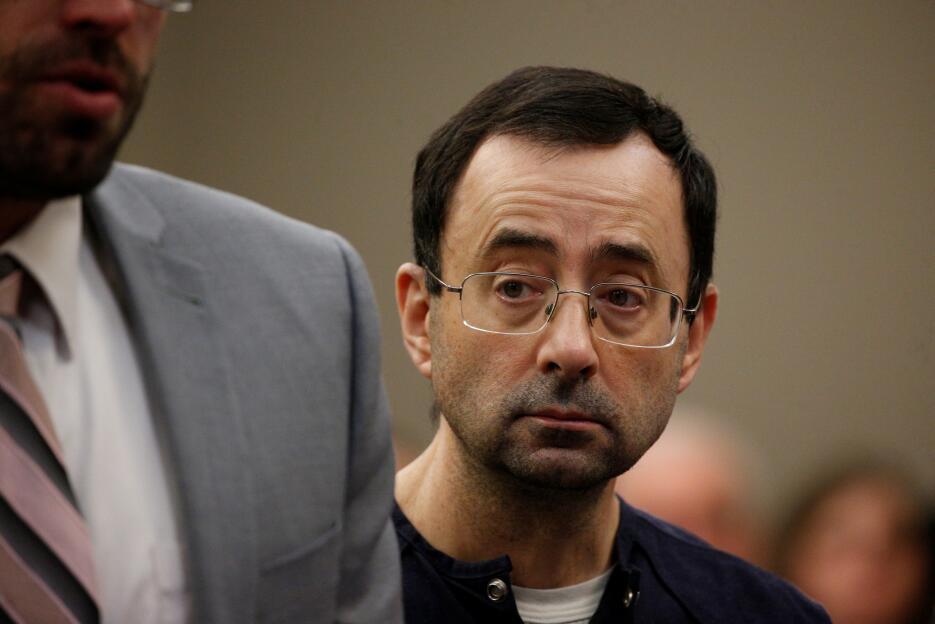 En fotos: Esta es la cara de Larry Nassar, el médico que abusó de más de...