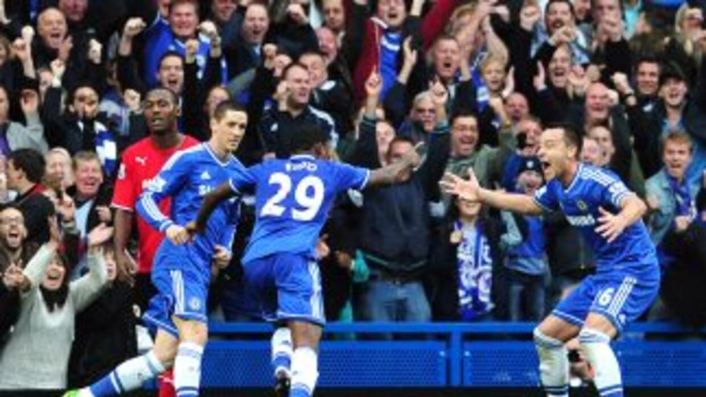 Eto'o hizo su primer gol con el Chelsea.