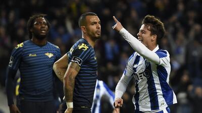Porto goleó al Moreirense y se acerca al líder Benfica