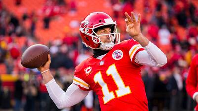 "Alex Smith, ""extasiado"" por el reto de jugar con los Washington Redskins"