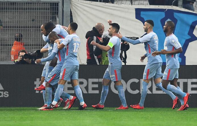 El Lyon, por tanto, mantiene el segundo puesto igualado a puntos con el...