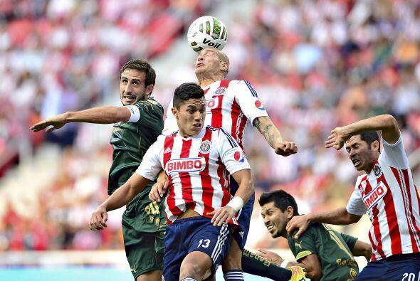 Santos consiguió el boleto a la final de la Liga MX al golear 3-0 a Chiv...