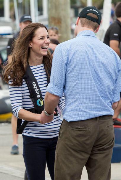Kate estaba muy contenta y no paraba de bromear con su marido. Mira aquí...