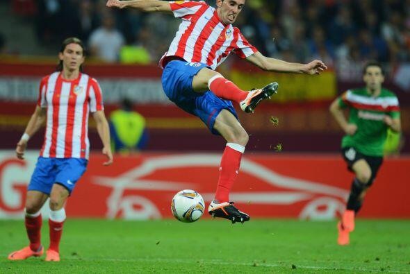 El uruguayo Godín fue impasable durante los 90 minutos.