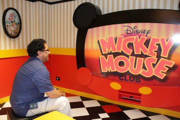 Pasión 106.7FM esta transmitiendo desde el Disney Magic Cruise donde Ces...