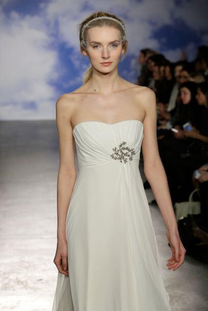 Aquí los mejores modelos del diseñador Jenny Packham.