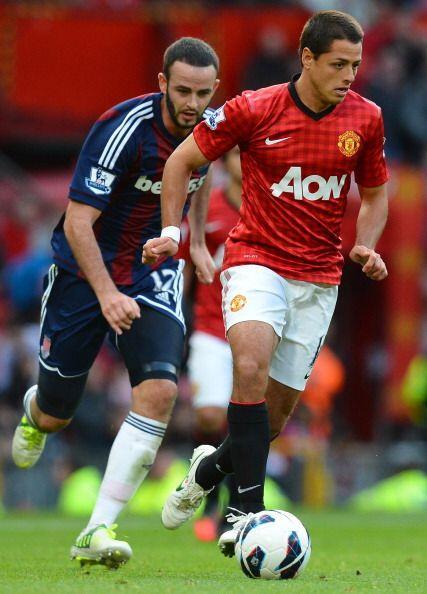 'Chicharito' comenzó en la banca y jugó los últimos 15 minutos del partido.