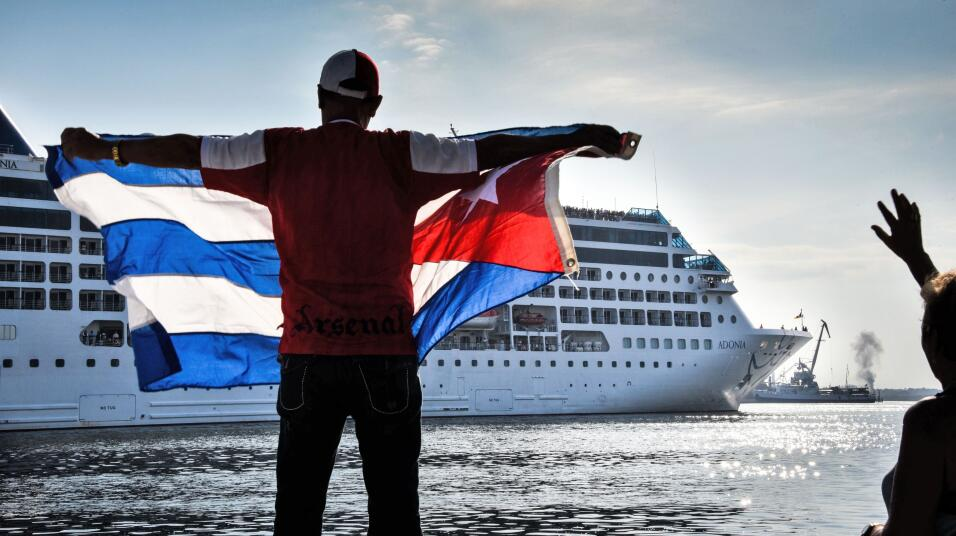Cuba recibe al primer crucero de EEUU en 50 años