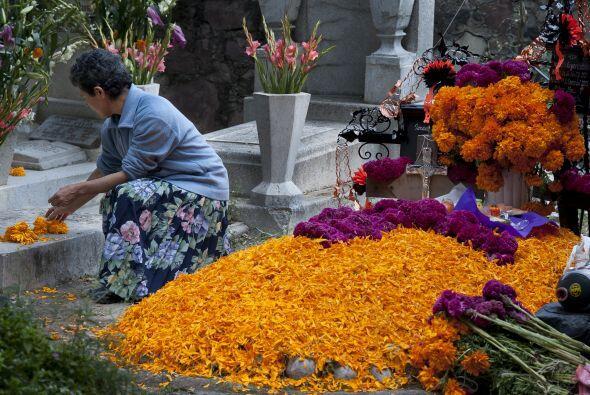 La tradicional fiesta de Día de Muertos en México se vive...