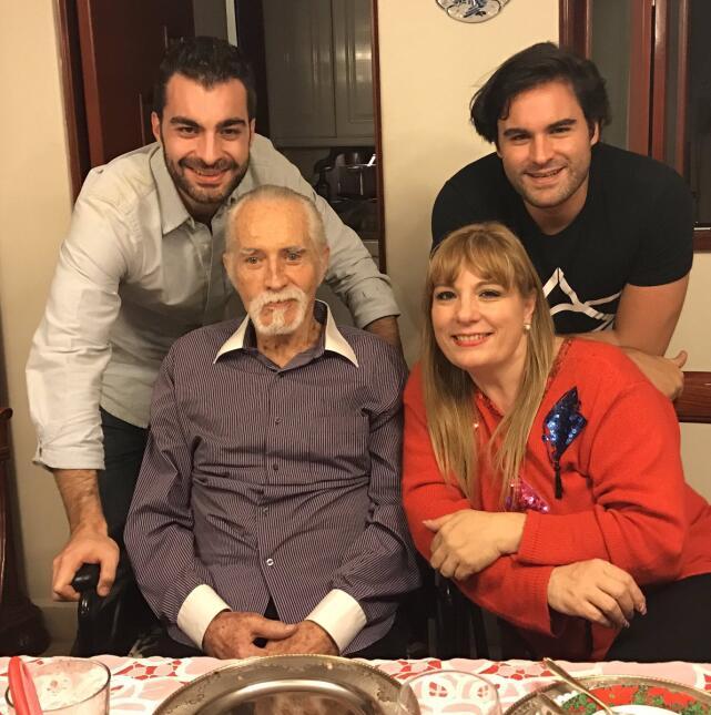 Rogelio Guerra y familia